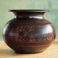 Cuzco vase, 'Inca Mother' - Handmade Cuzco Ceramic Vase
