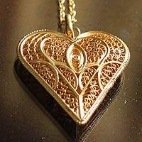 Gold plated necklace, 'Heart of Lace' - Gold Necklace with Filigree Heart Pendant