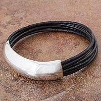Sterling silver and leather bracelet, 'Free Spirit in Black' - Men's Sterling Silver Wristband Bracelet