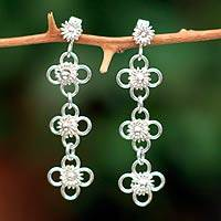 Sterling silver flower earrings, 'Daisy Chain' - Sterling silver flower earrings