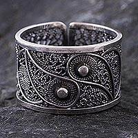 Silver filigree ring, 'Yin and Yang' - Handcrafted oxidised Silver Filigree Ring