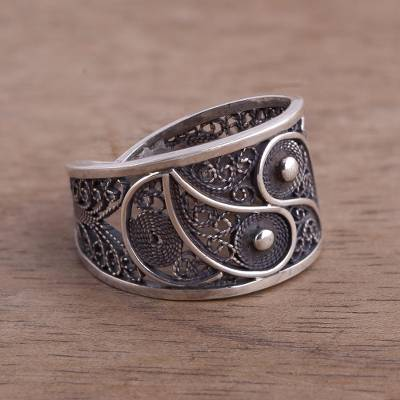 Silver filigree ring, 'Dark Paisley' - Artisan Crafted Fine Silver Filigree Ring