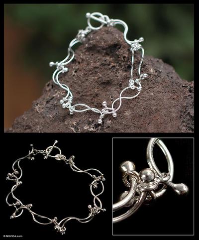 Silver charm bracelet, 'Quiet Ocean' - Artisan jewellery Fine Silver Link Bracelet