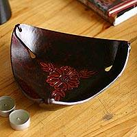 Leather catchall,