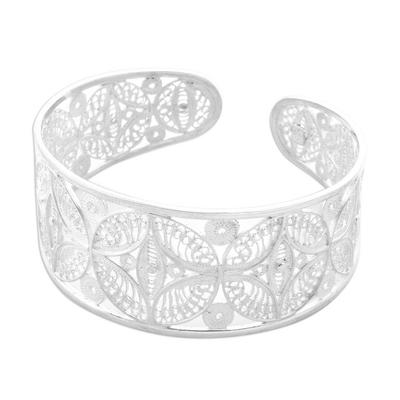 Silver filigree cuff bracelet, 'Medallions' - Silver Filigree Handmade Sterling Cuff Bracelet