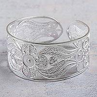 Silver filigree cuff bracelet, 'Snow Bloom' - Hand Made Floral Fine Silver Filigree Bracelet