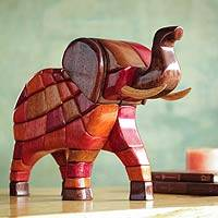 Ishpingo statuette, 'Grand Elephant' - Ishpingo Wood Sculpture from Peru