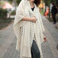 100% alpaca ruana cloak, 'Vanilla Spice' - Ivory Artistwoven Alpaca Wool Ruana Cloak Wrap