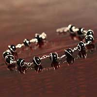 Onyx chain bracelet, 'Harmony' - Silver and Black Onyx Chain Bracelet
