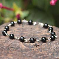 Onyx beaded bracelet, 'Many Moons' - Handmade Fine Silver Beaded Onyx Bracelet from Peru