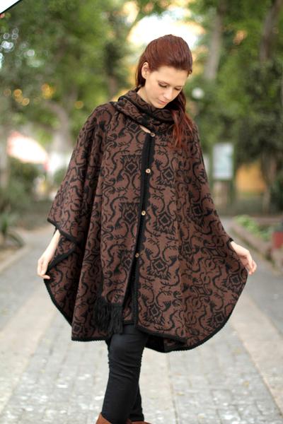 Alpaca blend ruana cloak, 'Piura Flora' - Hand Made Women's Alpaca Wool Blend Ruana Cloak