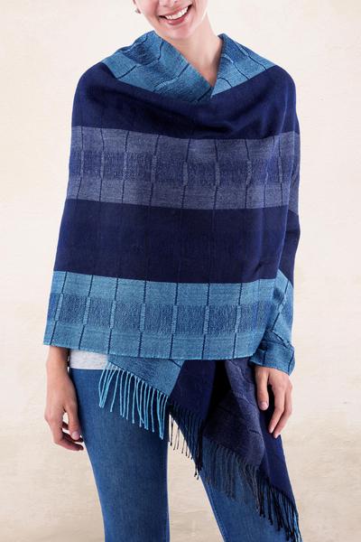 100% alpaca shawl, 'Huancayo Blues' - Alpaca Wool Patterned Shawl