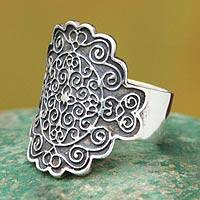 Sterling silver cocktail ring, 'Colonial Cajamarca'