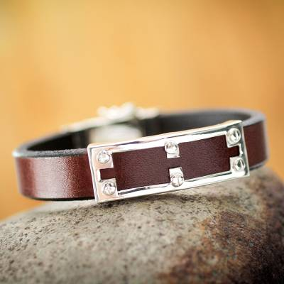 Men's leather bracelet, 'Wonderer' - Men's leather bracelet
