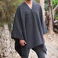 Men's alpaca blend poncho, 'Inca Explorer in Gray'