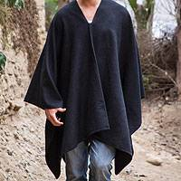 Men's alpaca blend poncho, 'Inca Explorer in Black'