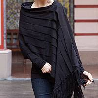 100% alpaca poncho, 'Illusions of Black'