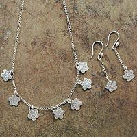 Sterling silver jewelry set, 'Tarma Flowers' - Handcrafted Sterling Silver Jewelry Set from Peru