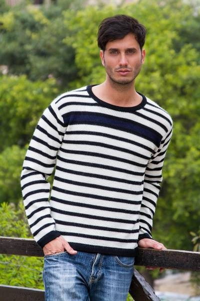 Men's 100% alpaca sweater, 'Navy Spark' - Men's Navy Bue Accent Alpaca Wool Sweater