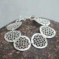 Sterling silver link bracelet, 'Moonlit Honeycombs' - Sterling Silver Link Bracelet from Peru