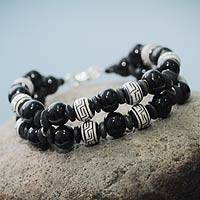 Ceramic beaded bracelet, 'Inca Shadows' - Black and White Pre-Hispanic Theme Handmade Ceramic Bracelet