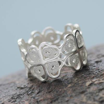Sterling silver band ring, 'Filigree Hearts' - Artisan Crafted Sterling Silver Filigree Band Ring from Peru