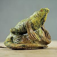 Serpentine figurine, 'Iguana under the Sun' - Realistic Iguana Figurine Hand Carved of Serpentine Stone