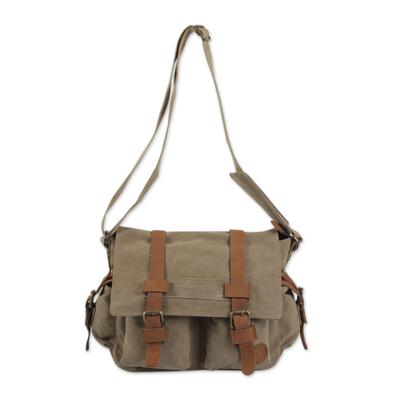 Novica Leather shoulder bag, Successful Venture