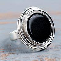 Onyx cocktail ring, 'Spectacular in Black' - Peruvian Textured Silver and Rose Quartz Statement Ring