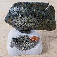 Serpentine and onyx sculpture, 'Ocean Fish' - Andean Serpentine and Onyx Sculpture of a Fish
