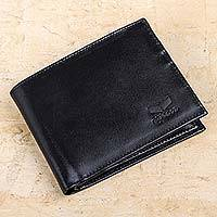 Men's sheep leather wallet, 'Classic in Black' - Artisan Crafted Classic Black Sheep Leather Wallet from Peru