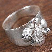 Sterling silver flower ring, 'Renaissance Fairy Rose' - Peruvian High Polished Sterling Silver Rose Band Ring