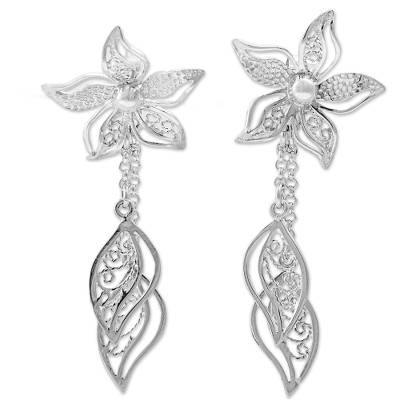 Sterling silver filigree dangle earrings, 'Amaryllis Flowers' - Sterling Silver Dangle Earrings Floral Shape from Peru