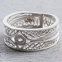 Silver filigree band ring, 'Heart of the Star'