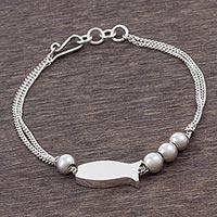 Sterling silver pendant bracelet, 'Smart Fish' - Sterling Silver Fish Pendant Bracelet from Peru