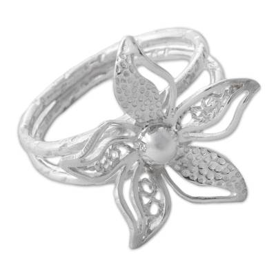 Sterling silver cocktail ring, 'Amaryllis Garden' - Sterling Silver Floral Cocktail Ring from Peru