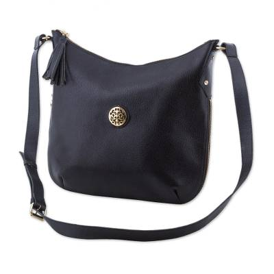 Adjustable Leather Shoulder Bag in Black from Peru