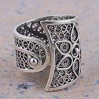 Sterling silver filigree band ring, 'Magical Flower Vine' - Sterling Silver Floral Filigree Band Ring from Peru
