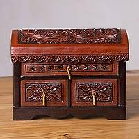 Cedar and leather chest, 'Secret of Time' - Handcrafted Cedar and Leather Chest from Peru