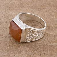 Agate cocktail ring, 'Colonial Gleam' - Square Agate and Sterling Silver Cocktail Ring from Peru