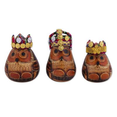 Gourd figurines, 'Owl Kings' (set of 3) - Owl Three Kings Gourd Figurines from Peru (Set of 3)
