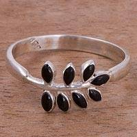 Onyx cocktail ring, 'Elegant Frond' - Leafy Onyx and Silver Cocktail Ring from Peru