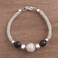 Agate pendant bracelet, 'Mysterious Orbs' - Agate and Sterling Silver Pendant Bracelet from Peru