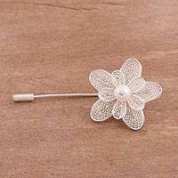 Cultured pearl filigree brooch, 'Glowing Daisy' - Floral Cultured Pearl Filigree Brooch from Peru