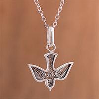 Sterling silver filigree pendant necklace,