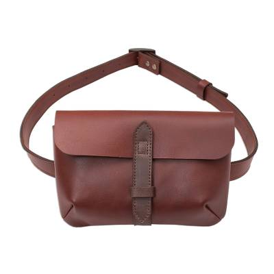 Leather waist bag, 'Experience in Mahogany' - Handmade Leather Waist Bag in Mahogany from Peru