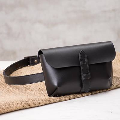 Leather waist bag, 'Experience in Black' - Handmade Leather Waist Bag in Black from Peru