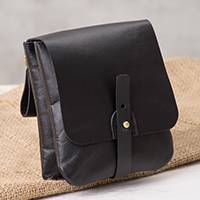 Leather waist bag, 'Sleek Traveler' - Handcrafted Leather Waist Bag in Black from Peru