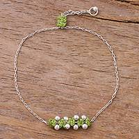 Sterling silver pendant bracelet, 'Gleaming Beads in Spring Green' - Sterling Silver Pendant Bracelet in Spring Green from Peru