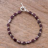 Garnet beaded bracelet, 'Gemstone Rhombi'